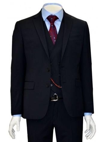 Мужской костюм полу-приталенного кроя